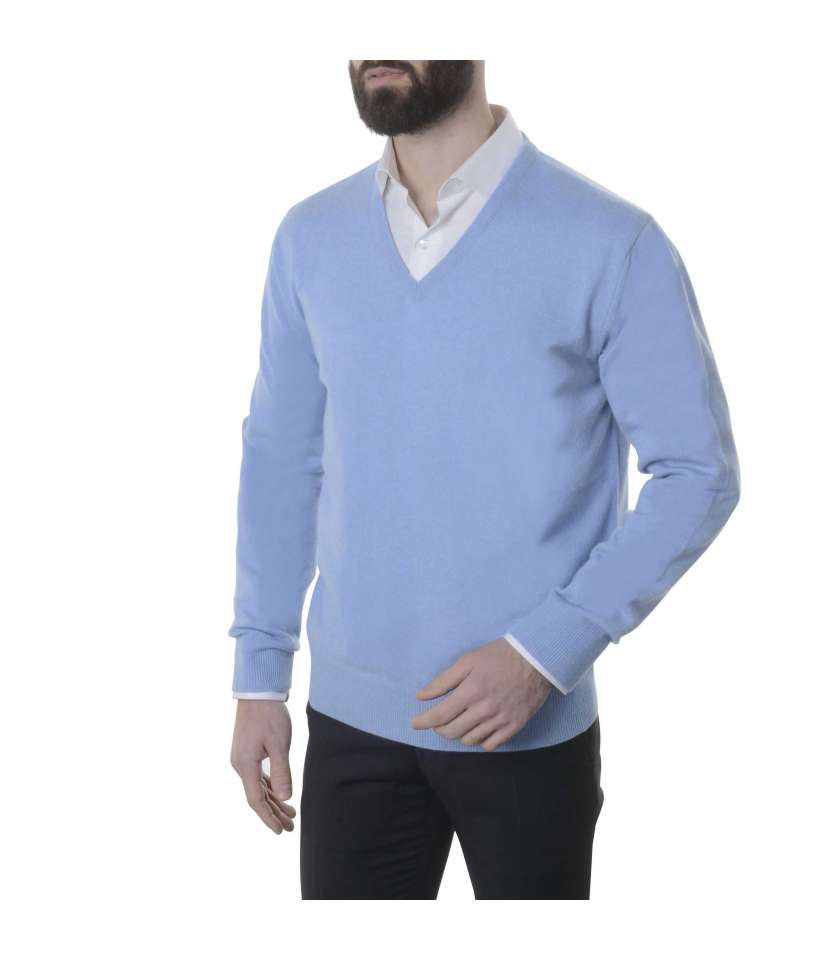 85f0b186b38 V neck sweater crafted in pure cashmere.High quality