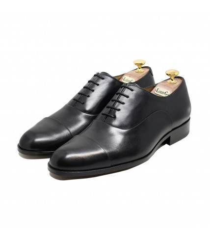 Straight toe-cap Oxford Churchill 1003 - Black